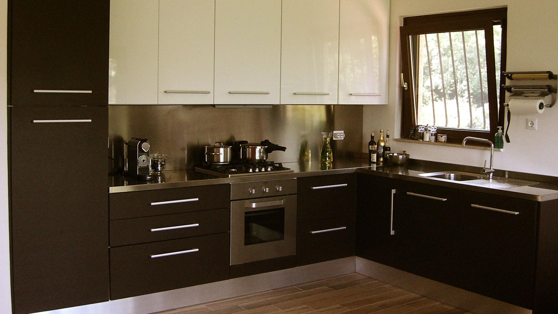 ferien in italien grosser hausteil. Black Bedroom Furniture Sets. Home Design Ideas